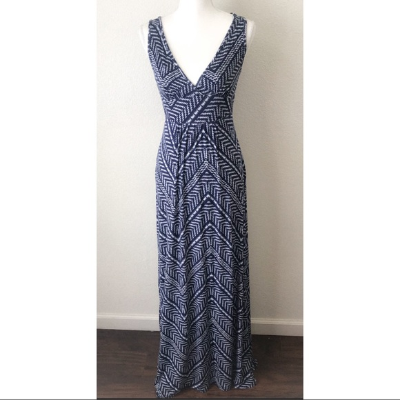 Loveappella Dresses & Skirts - LOVEAPPELLA Stitch Fix Soft Geo Print Maxi Dress S